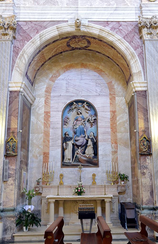 Altare della Madonna con Santi Carmelitani