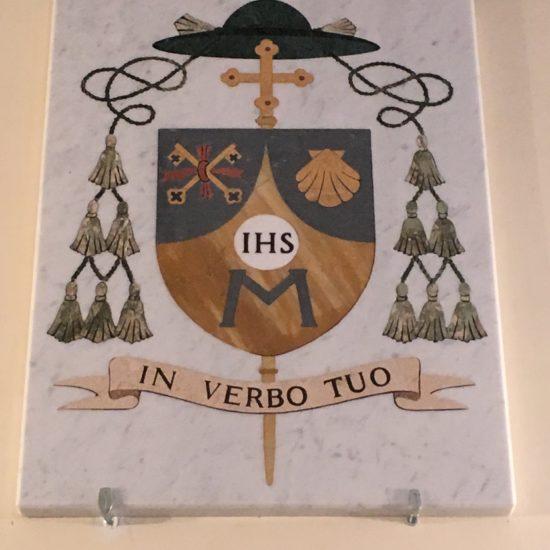 Stemma scelto da S.E. Rev.ma Mons. Vincenzo Pisane, attuale Vescovo di Oria (BR) ed ex Rettore della Confraternina